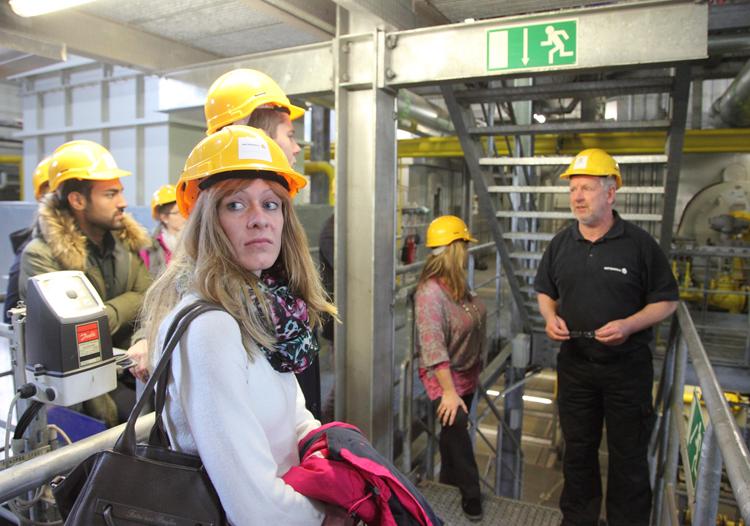 Helmpflicht auch für Besucher im Heizkraftwerk HafenCity