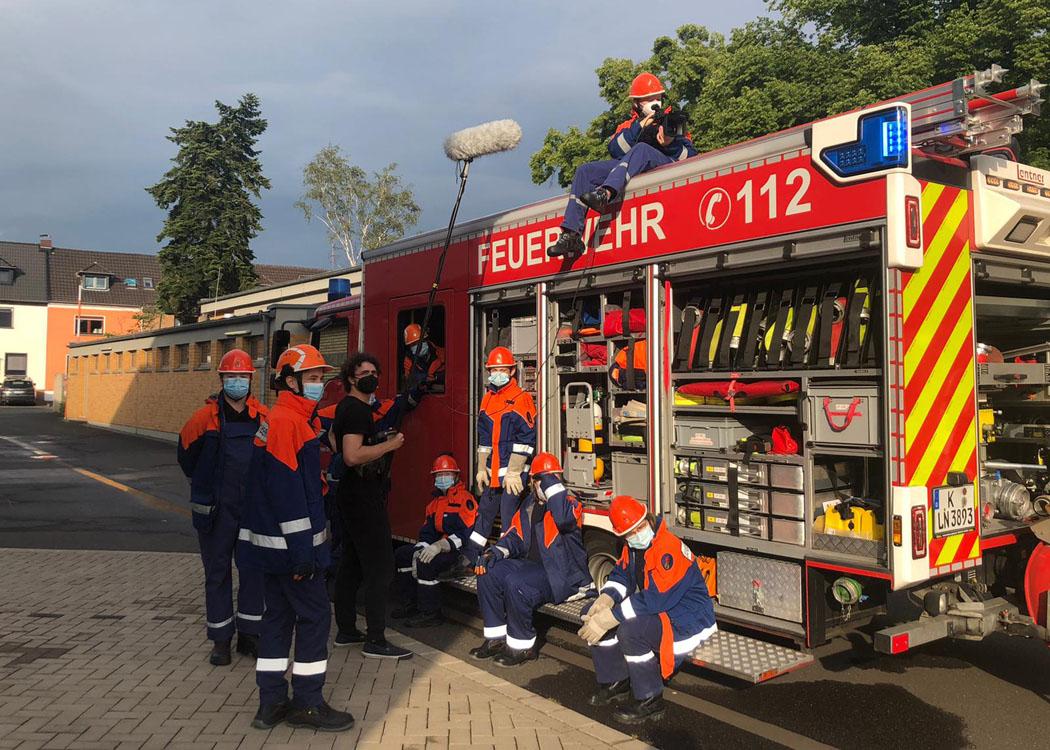 Die Studierenden der HMKW Köln zum Dreh bei der Feuerwehr in Köln-Dellbrück. Foto: Malina Claßen
