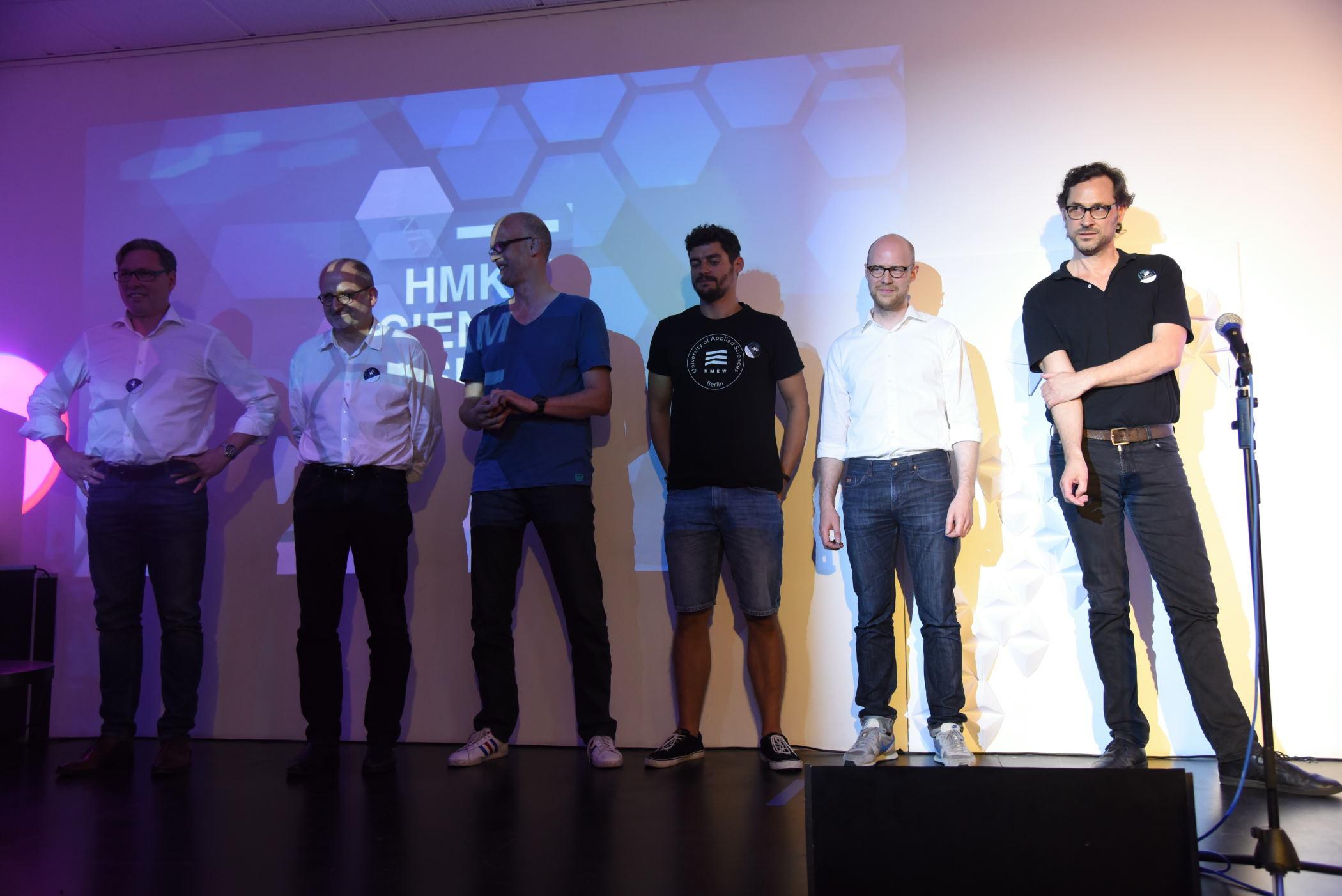 Die sechs HMKW-Slammer werden dem Publikum vorgestellt.