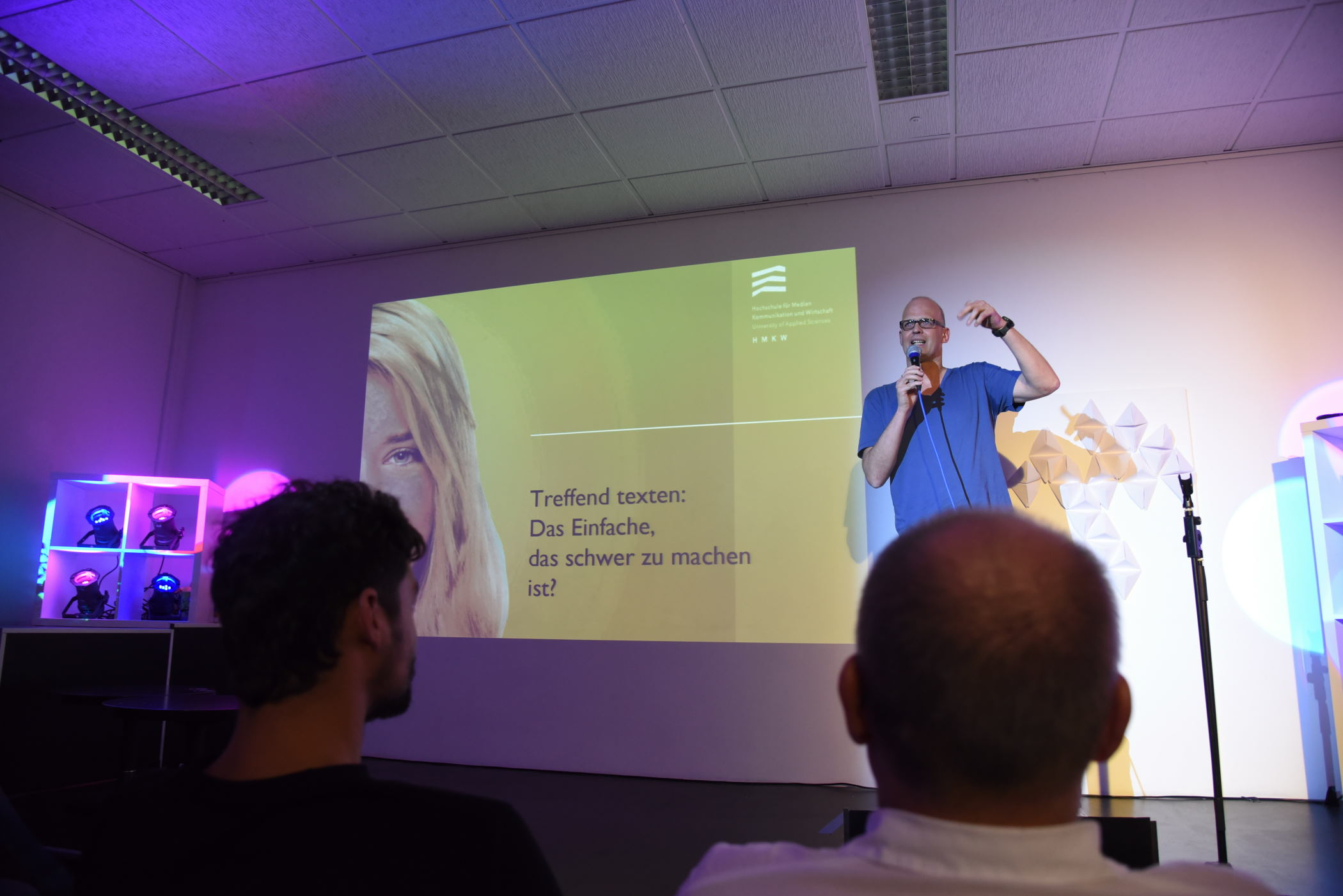 Prof. Sebastian Köhler machte mit seiner Sprachkritik den Anfang.
