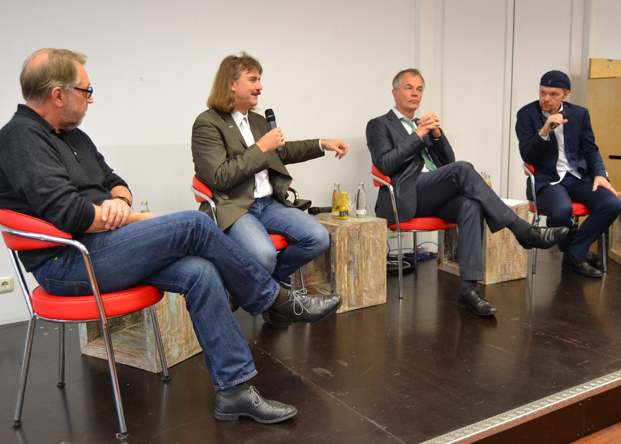 Teilnehmer der Gesprächsrunde v.l.n.r.: Hans Hausmann, Josef Tumbrinck, Johannes Remmel, Prof. Dr. Hektor Haarkötter.