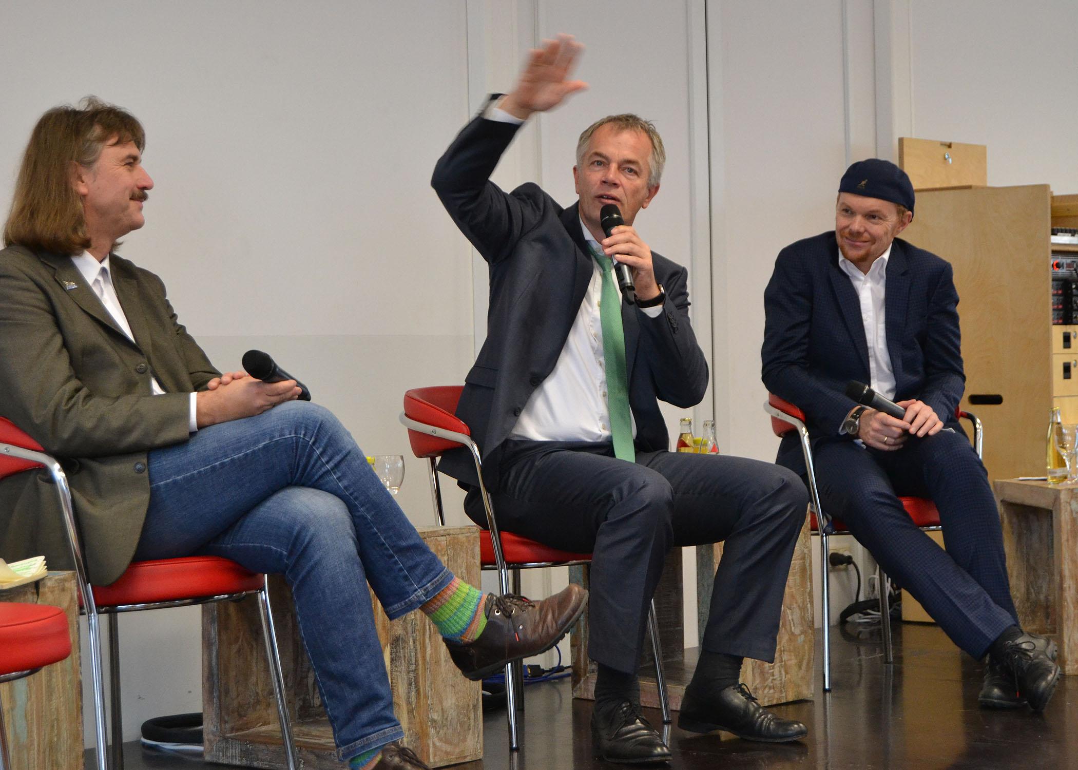 Johannes Remmel ist Mitglied von Bündnis 90/ Die Grünen und Umweltminister von NRW.