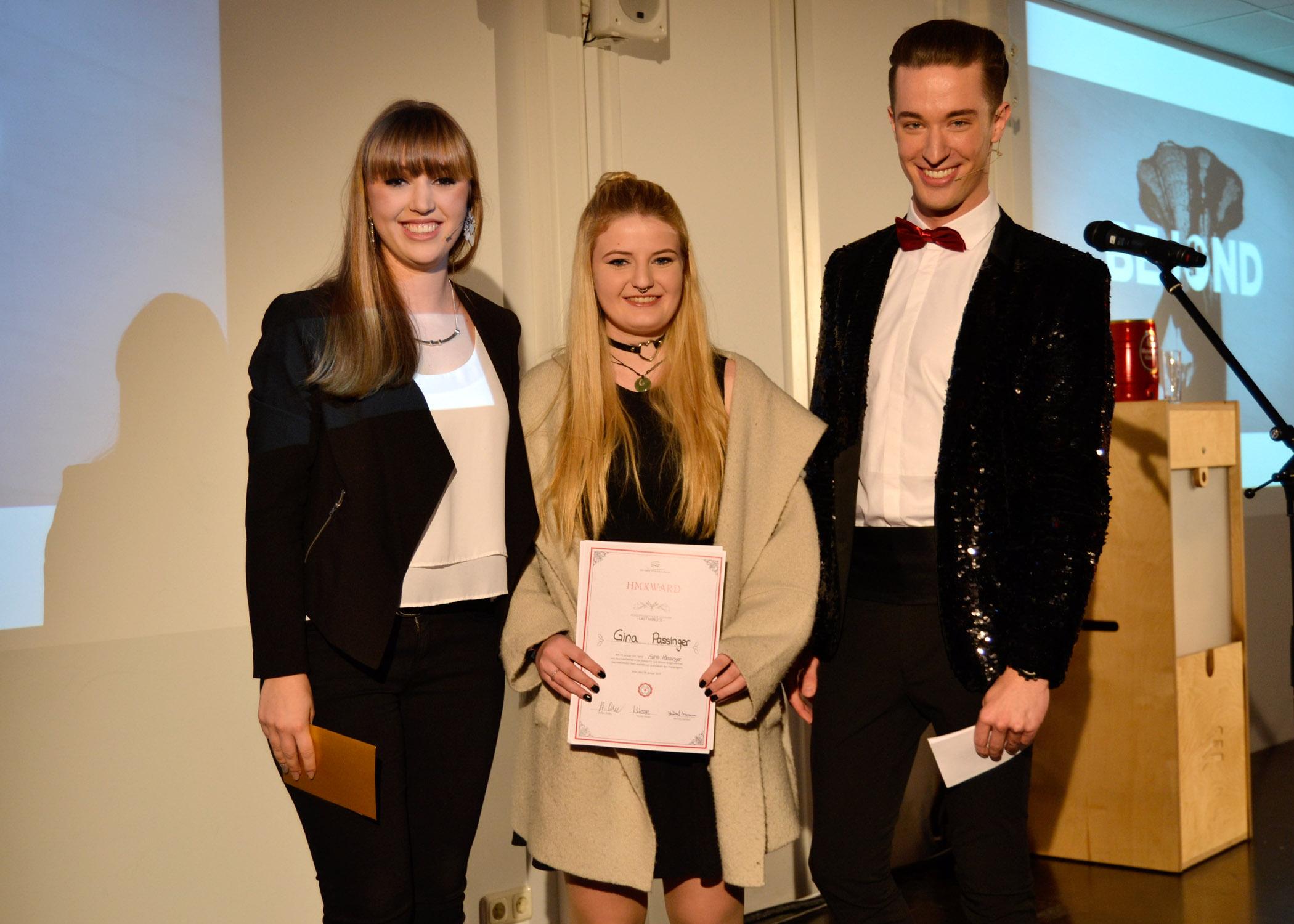 """Den Publikumspreis der Kategorie """"Last Minute"""" erhielten die HMKW-Studierenden Gina Passinger, Cathy Thill und Thilo Wilcke."""