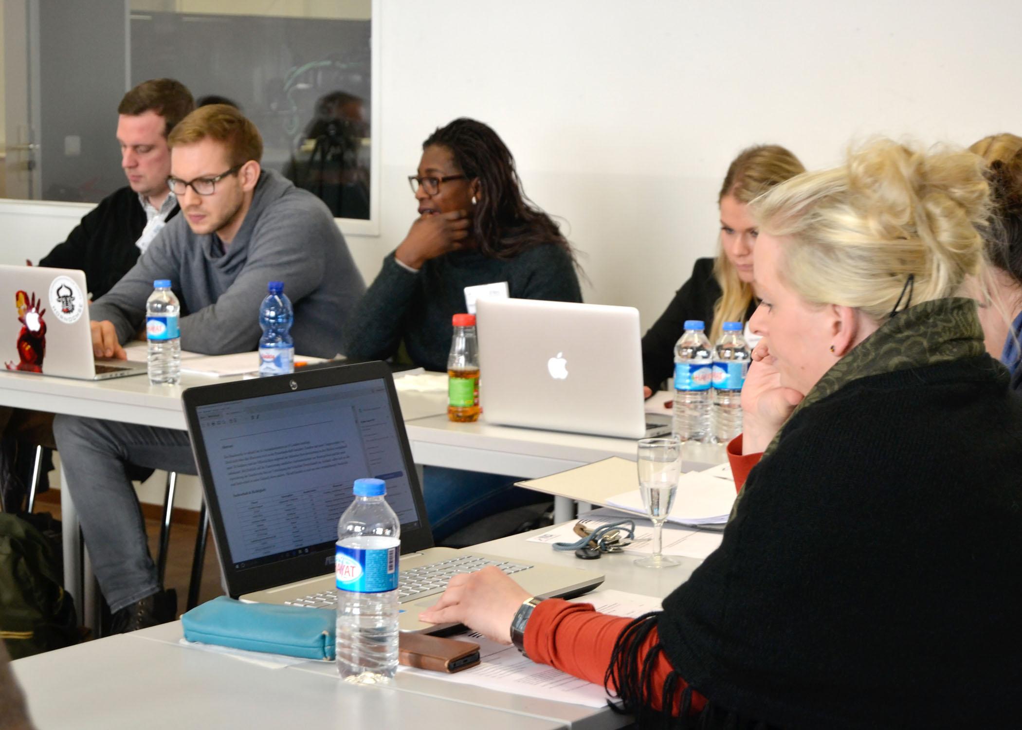 In der INA engagieren sich unter anderem auch HMKW-Studierende und -Lehrende.