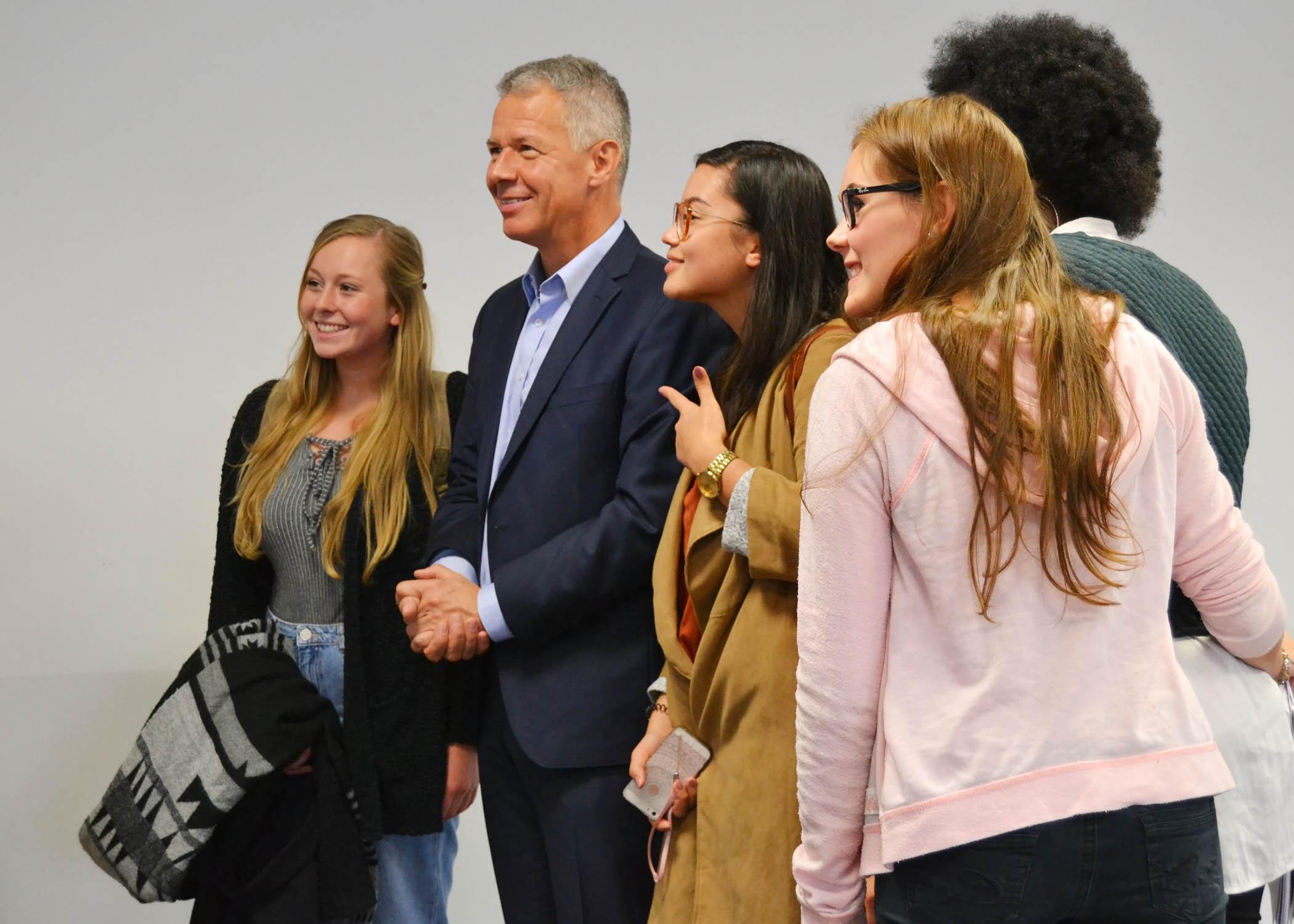 Für das junge Publikum ist der Nachrichtenmoderator, der seit 25 Jahren Anchorman bei RTL Aktuell ist, ein Vorbild.