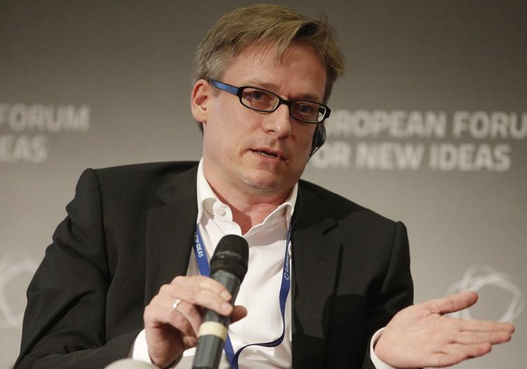 Prof. Dr. Henning Breuer der HMKW Berlin bei der Podiumsdiskussion