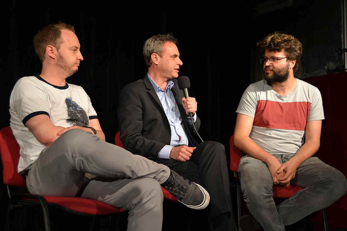 Es ging auch um neue Journalismusformate: zwei YouTuber im Gespräch mit Prof. Dr. Frank Überall (Mitte).