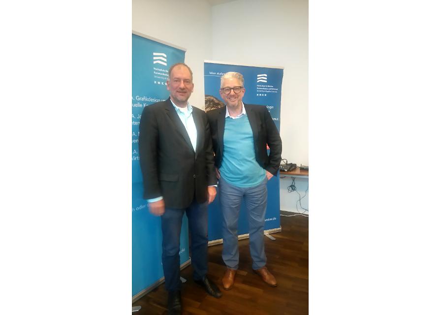 Prof. Dr. Sven Dierks (HMKW Frankfurt) mit Gastreferent Guido Modenbach (SevenOne Media GmbH)