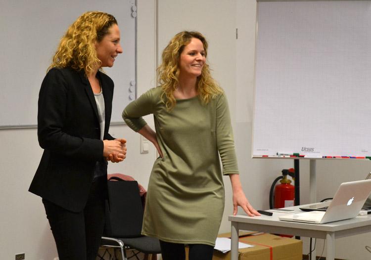 Prof. Dr. Eva-Maria Skottke (li.) mit Dr. Diana Isabella Frank