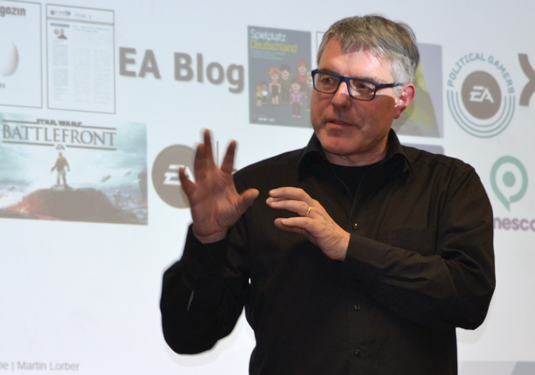 Der PR-Sprecher von EA referierte über Kommunikation in der Games-Industrie.