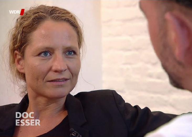 Prof. Dr. Eva-Maria Skottke im Gespräch mit Doc Esser. (Screenshot aufgenommen in der WDR Mediathek)
