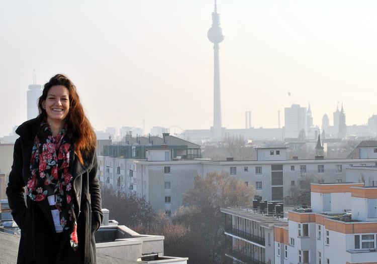 Eine Schweizerin auf den Dächern Berlins