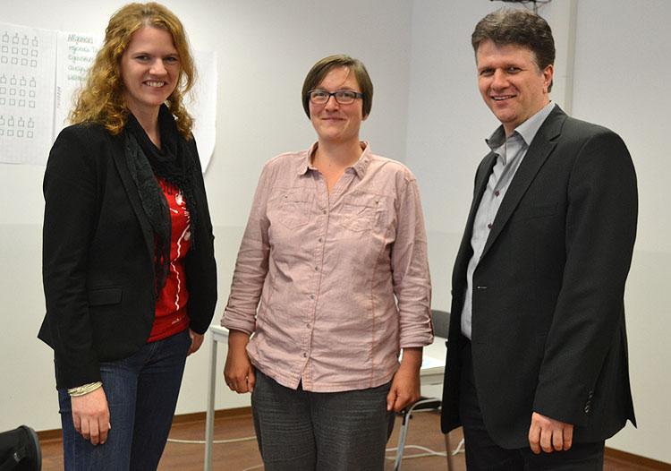 Prof. Dr. Inga Mertin, Viktoria Peveling, Prof. Dr. Wolfgang Kothen (v.l.n.r.)