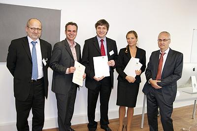 v. l. n. r.: Prof. Dr. R. Freytag (Kanzler), Prof. Dr. F. Überall, Prof. Dr. M. Beckenkamp, Prof. Dr. E.-M. Skottke, Prof. Dr. K.-D. Schulz (Rektor) - unten in der Mitte: Prof. Dr. H. Kolrep-Rometsch
