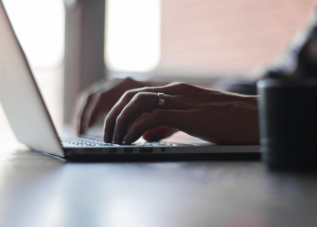 """""""In einer Online-Redaktion muss alles schnell gehen. Genau das macht's so spannend"""", so Ofelia Maghakyan über ihre Arbeit bei der Berliner Zeitung."""
